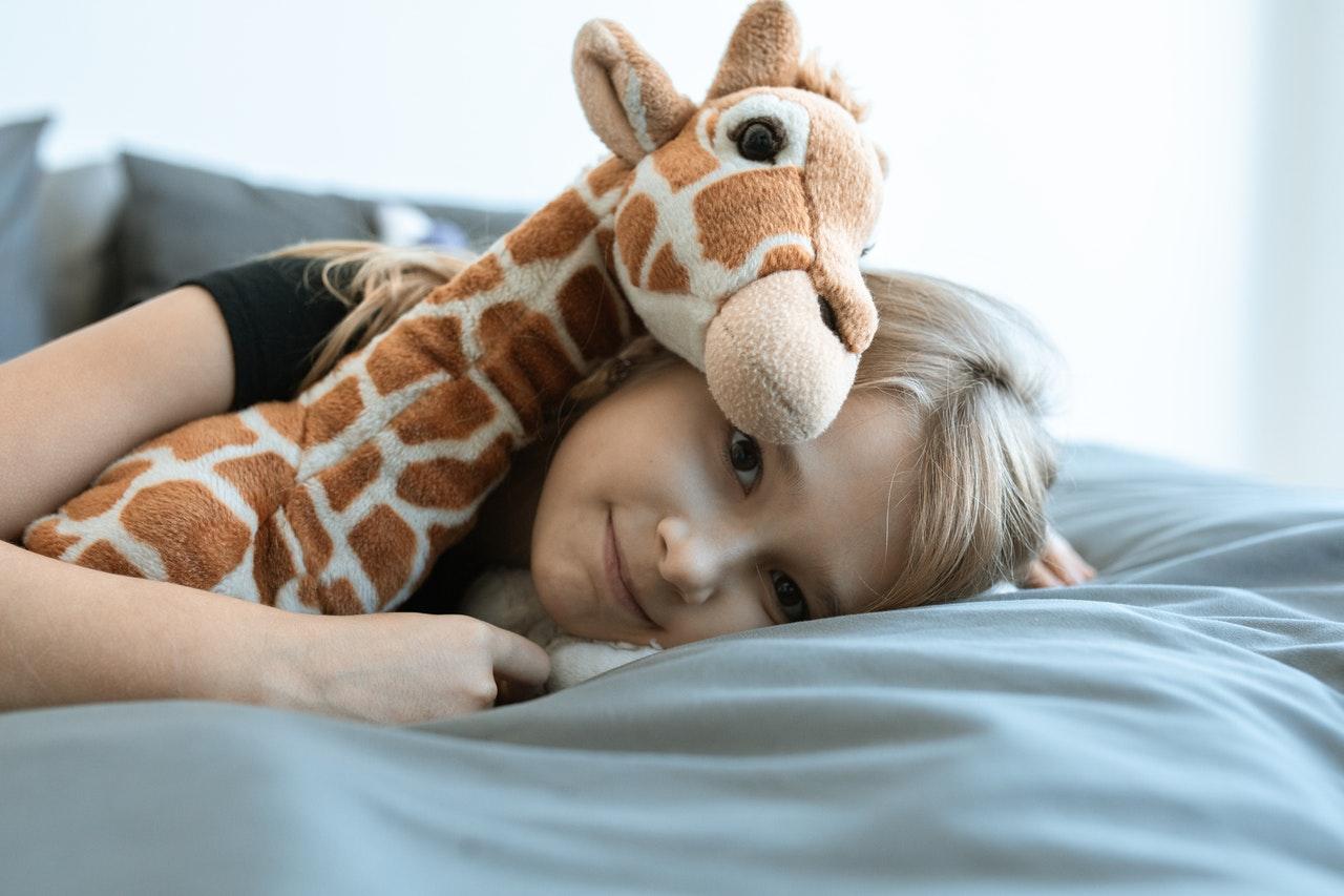 Jak nauczyć dzieci porządku, czyli regał na zabawki